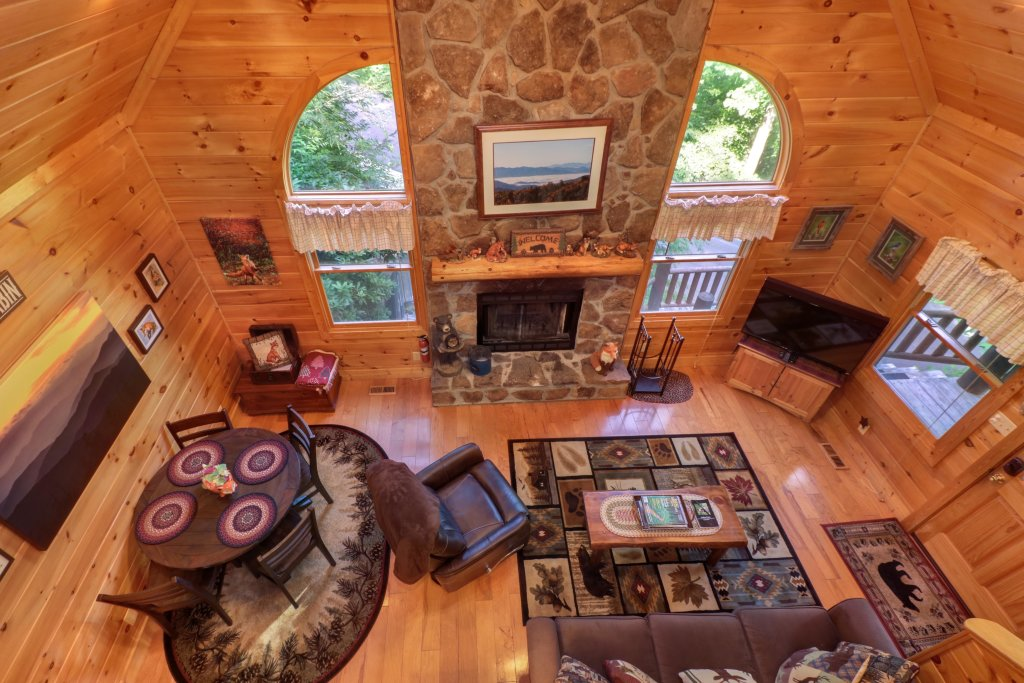 Photo of a Sevierville Cabin named Foxfire Cove Cabin - This is the thirty-eighth photo in the set.