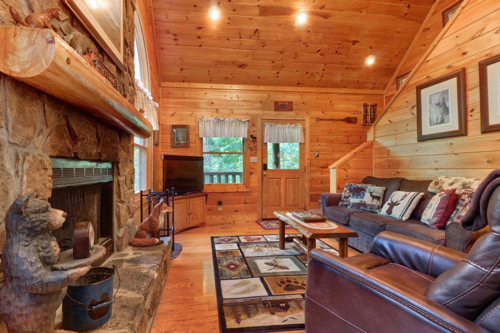 Photo of a Sevierville Cabin named Foxfire Cove Cabin - This is the twenty-first photo in the set.