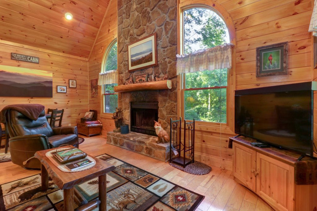 Photo of a Sevierville Cabin named Foxfire Cove Cabin - This is the nineteenth photo in the set.