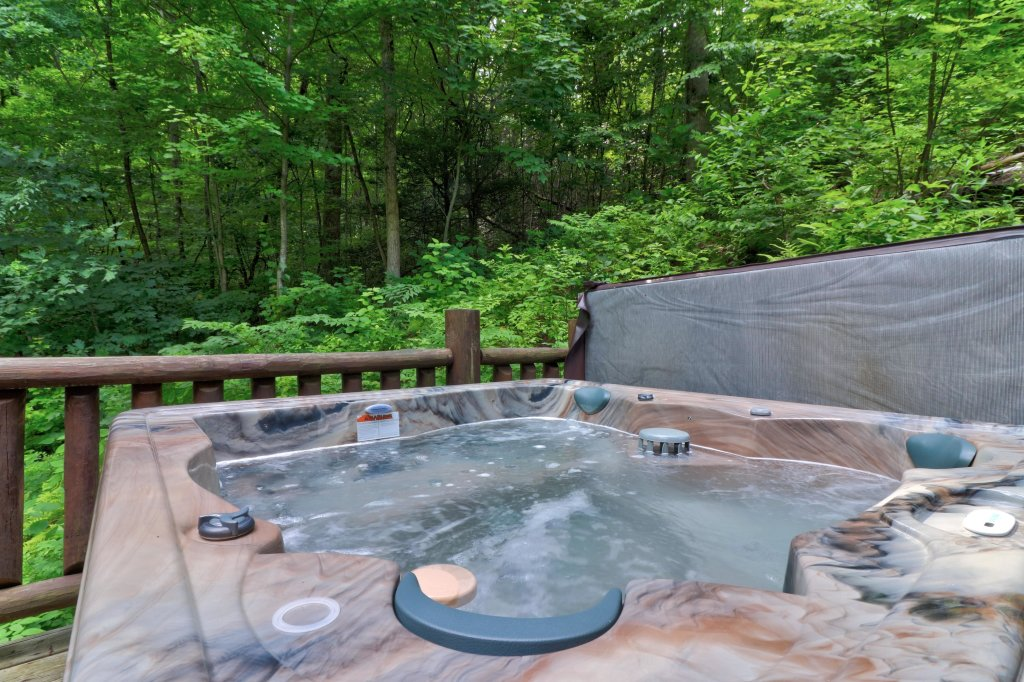 Photo of a Sevierville Cabin named Foxfire Cove Cabin - This is the twenty-second photo in the set.