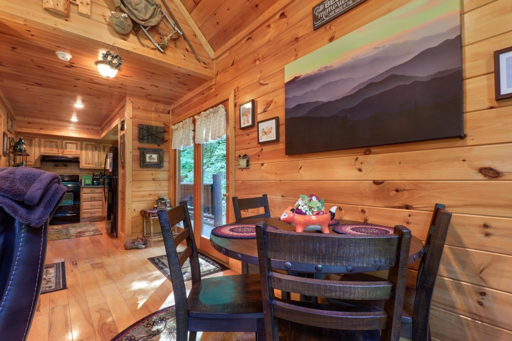 Photo of a Sevierville Cabin named Foxfire Cove Cabin - This is the forty-first photo in the set.