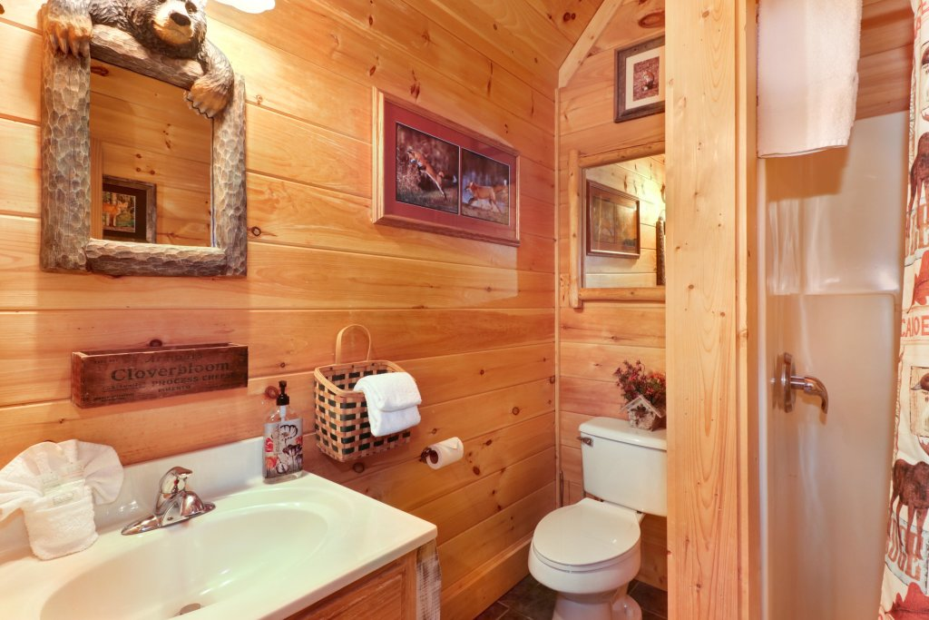 Photo of a Sevierville Cabin named Foxfire Cove Cabin - This is the thirtieth photo in the set.