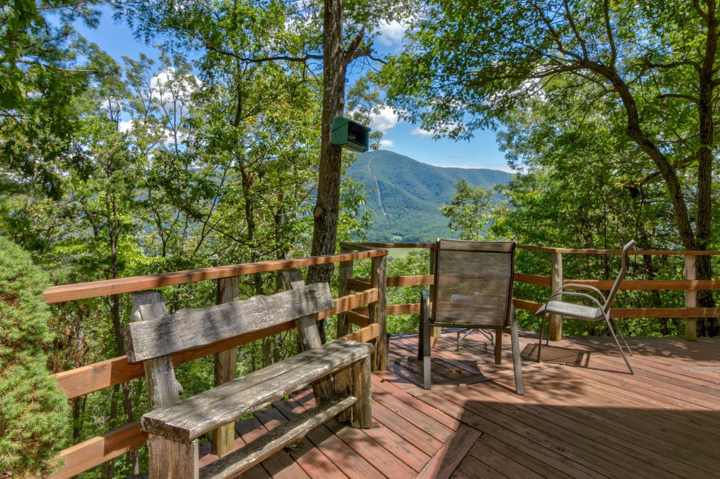 Photo of a Sevierville Cabin named Mockingbird's View Cabin - This is the twenty-sixth photo in the set.
