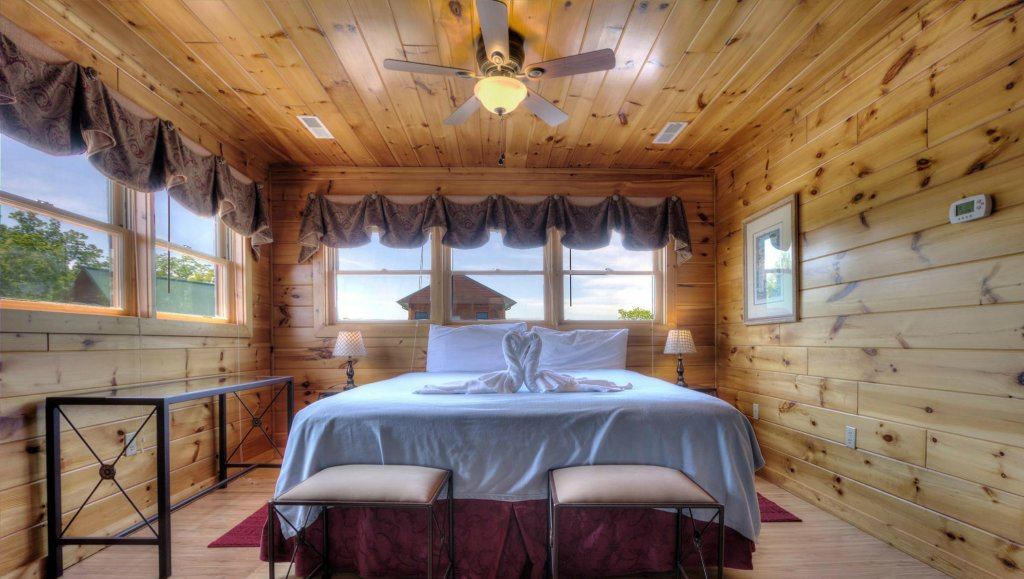 Photo of a Pigeon Forge Cabin named Villa Italia #425 - This is the fifth photo in the set.