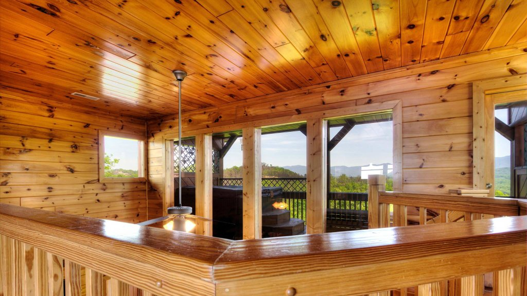 Photo of a Pigeon Forge Cabin named Villa Italia #425 - This is the twenty-second photo in the set.