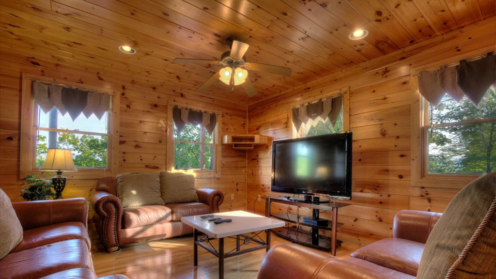 Photo of a Pigeon Forge Cabin named Villa Italia #425 - This is the eighteenth photo in the set.