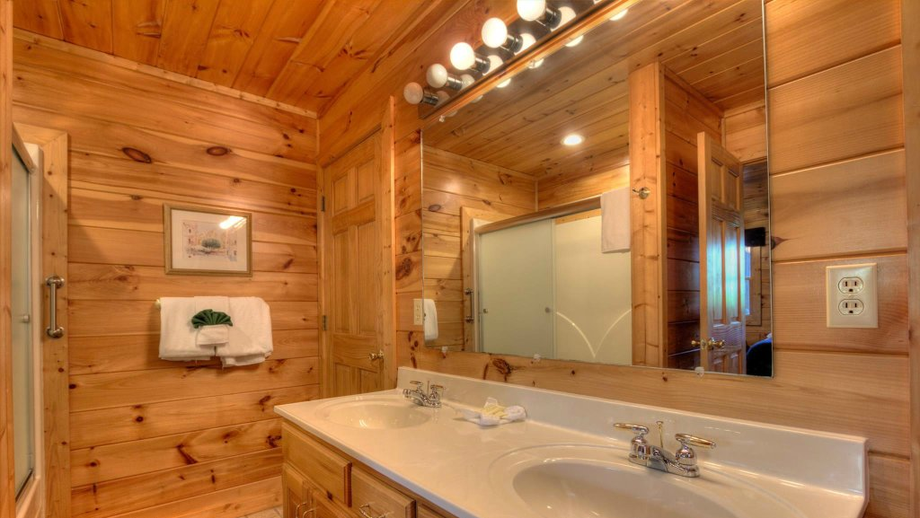 Photo of a Pigeon Forge Cabin named Villa Italia #425 - This is the fourteenth photo in the set.