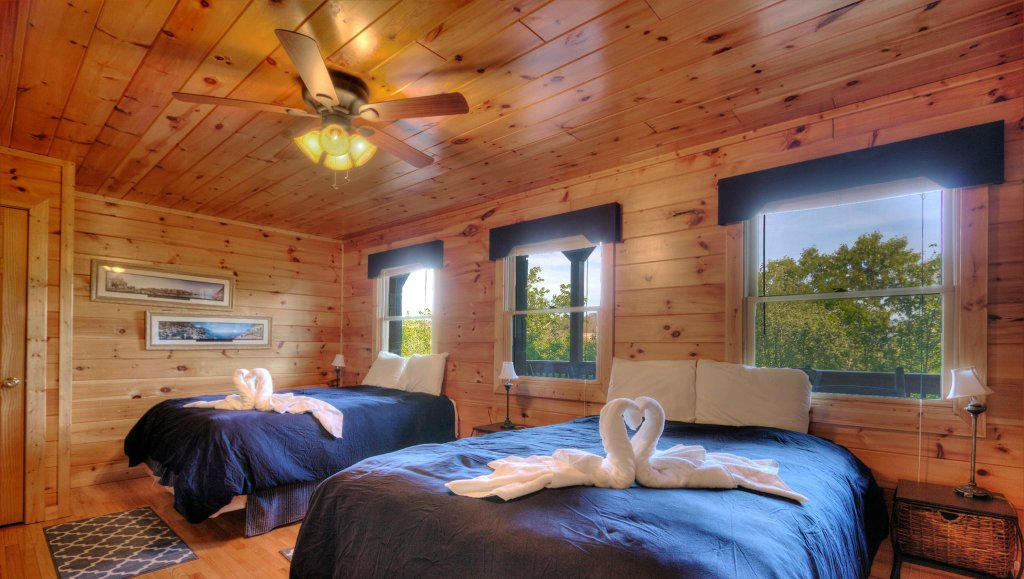 Photo of a Pigeon Forge Cabin named Villa Italia #425 - This is the twenty-sixth photo in the set.