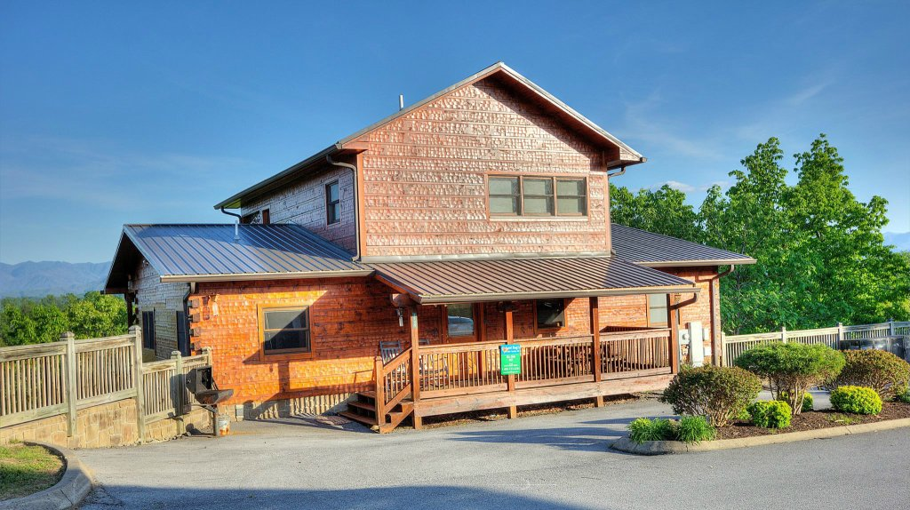 Photo of a Pigeon Forge Cabin named Villa Italia #425 - This is the thirty-second photo in the set.