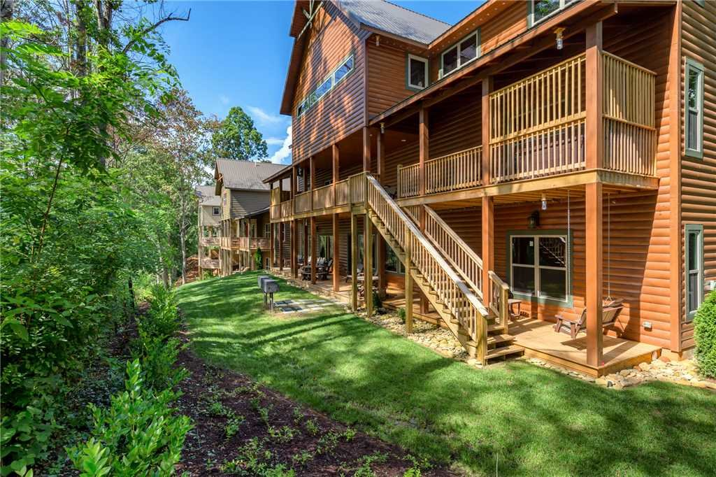 Photo of a Gatlinburg Cabin named The Grand Orchard Lodge - This is the second photo in the set.