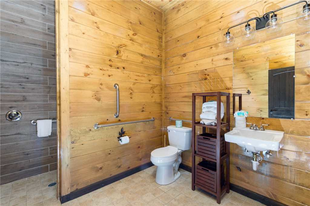 Photo of a Gatlinburg Cabin named The Grand Orchard Lodge - This is the twelfth photo in the set.