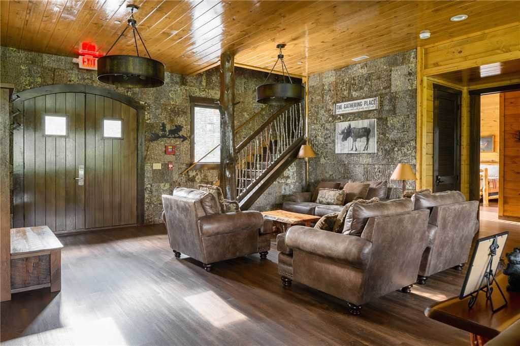 Photo of a Gatlinburg Cabin named The Grand Orchard Lodge - This is the fifth photo in the set.