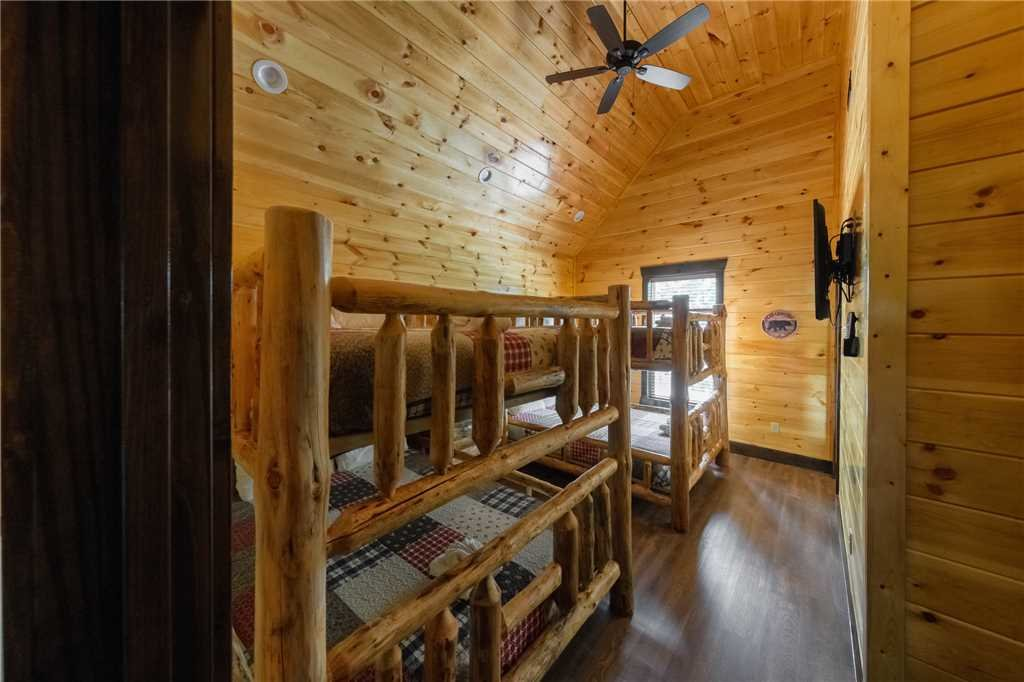 Photo of a Gatlinburg Cabin named The Big Willow Retreat - This is the tenth photo in the set.
