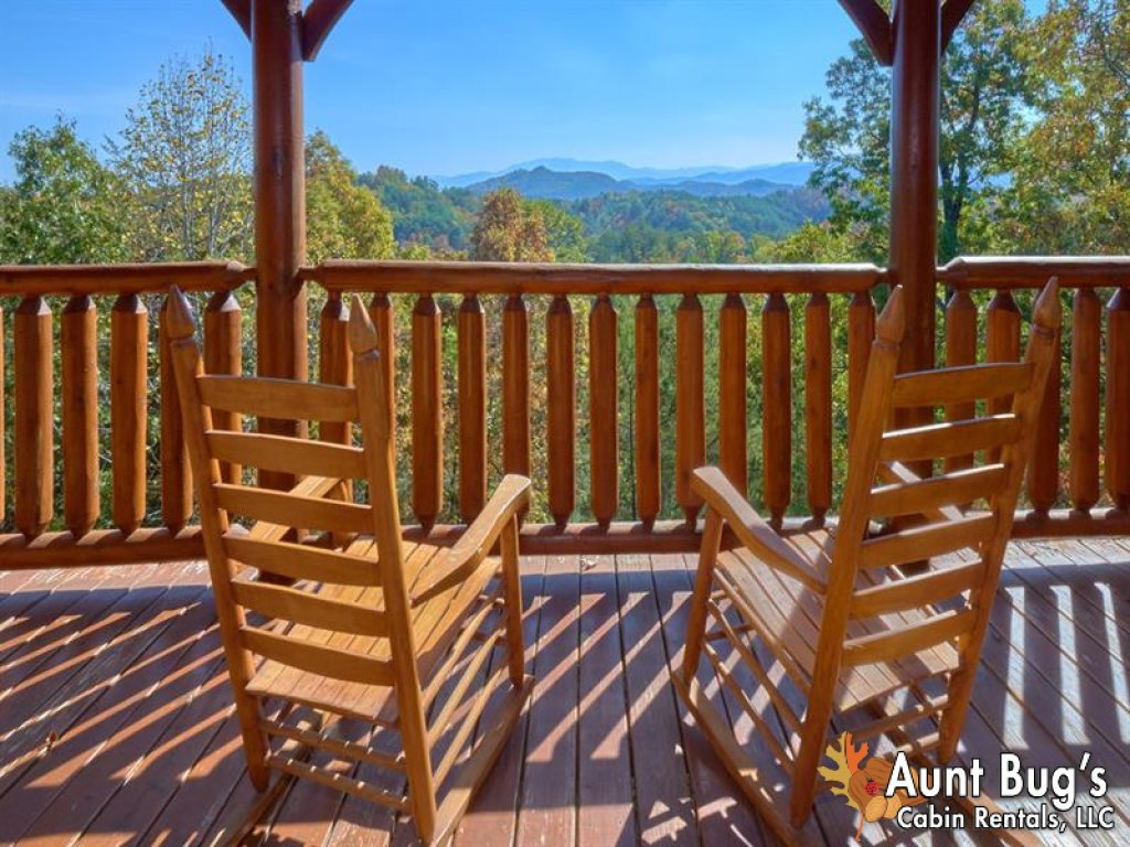 Photo of a Pigeon Forge Cabin named Incredible View - #326 - This is the third photo in the set.