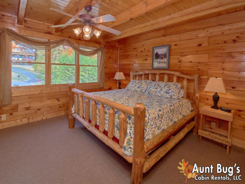 Photo of a Pigeon Forge Cabin named Incredible View - #326 - This is the fourteenth photo in the set.