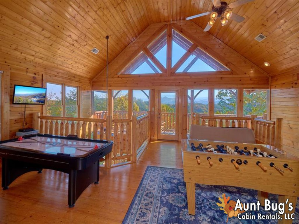Photo of a Pigeon Forge Cabin named Incredible View - #326 - This is the twelfth photo in the set.