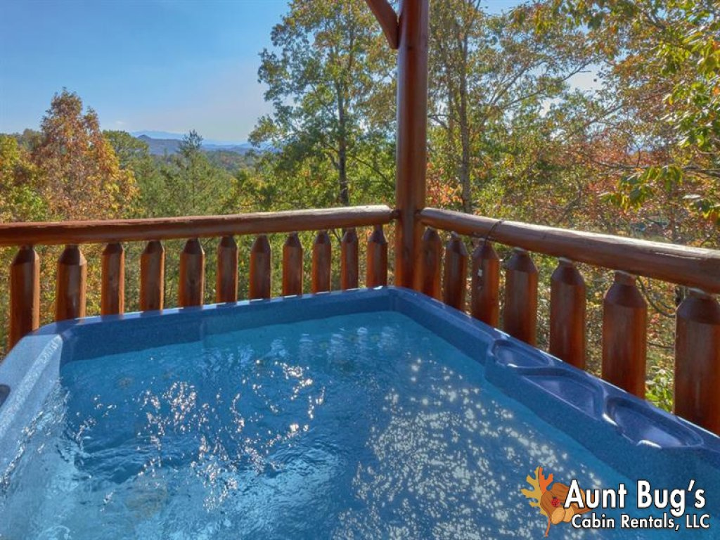 Photo of a Pigeon Forge Cabin named Incredible View - #326 - This is the twenty-second photo in the set.