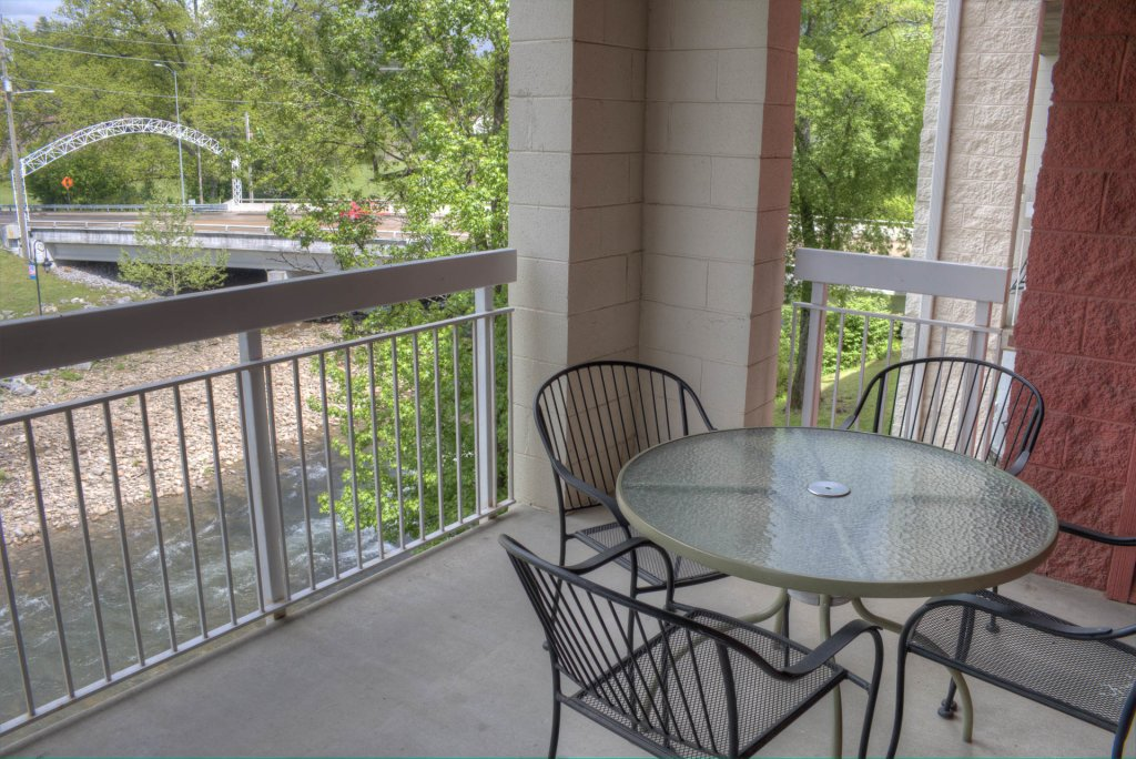 Photo of a Pigeon Forge Condo named Bear Crossing 201 - This is the thirty-eighth photo in the set.