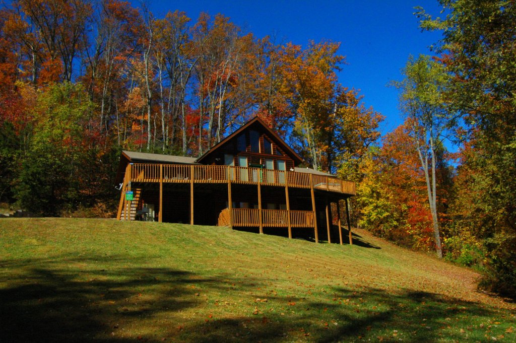 Photo of a Gatlinburg Cabin named Life Of Luxury #12 - This is the thirty-fifth photo in the set.