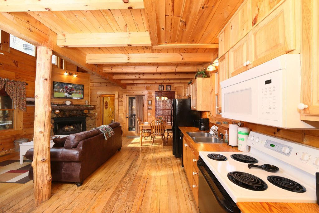 Photo of a Pigeon Forge Cabin named A Bit Of Heaven #252 - This is the eighth photo in the set.