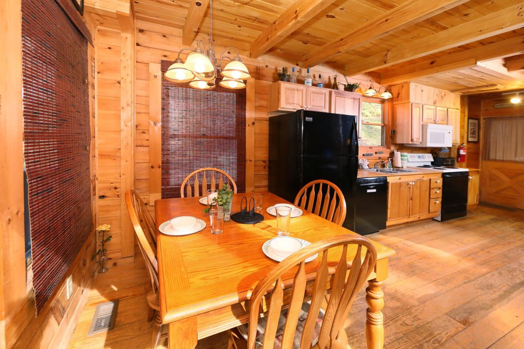 Photo of a Pigeon Forge Cabin named A Bit Of Heaven #252 - This is the fourteenth photo in the set.