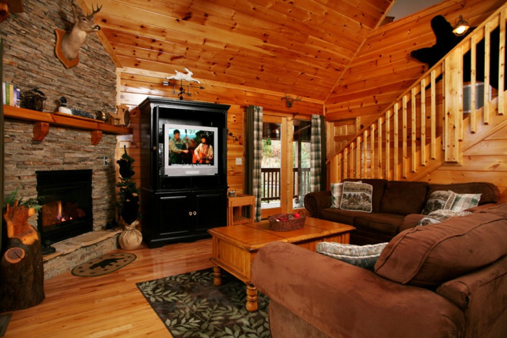 Photo of a Gatlinburg Cabin named Komfy Kozy - This is the fourth photo in the set.