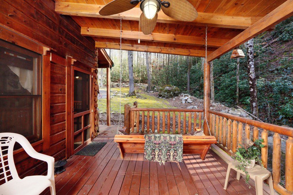 Photo of a Pigeon Forge Cabin named A Bit Of Heaven #252 - This is the twenty-third photo in the set.