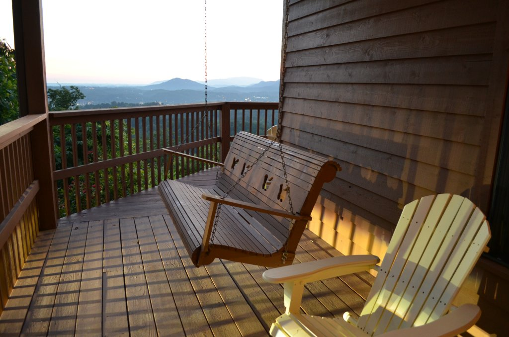 Photo of a Pigeon Forge Cabin named A Grand View From Above #225 - This is the eleventh photo in the set.