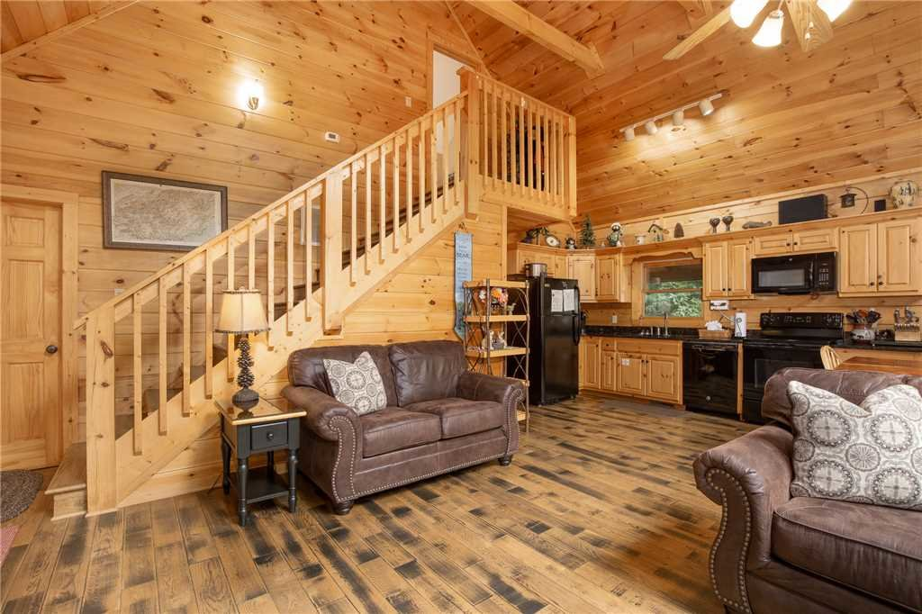 Photo of a Gatlinburg Cabin named Bear Essentials - This is the fifth photo in the set.