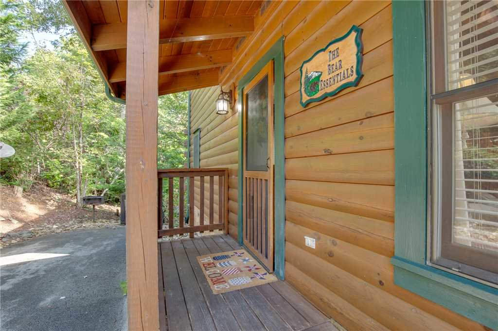Photo of a Gatlinburg Cabin named Bear Essentials - This is the twenty-first photo in the set.