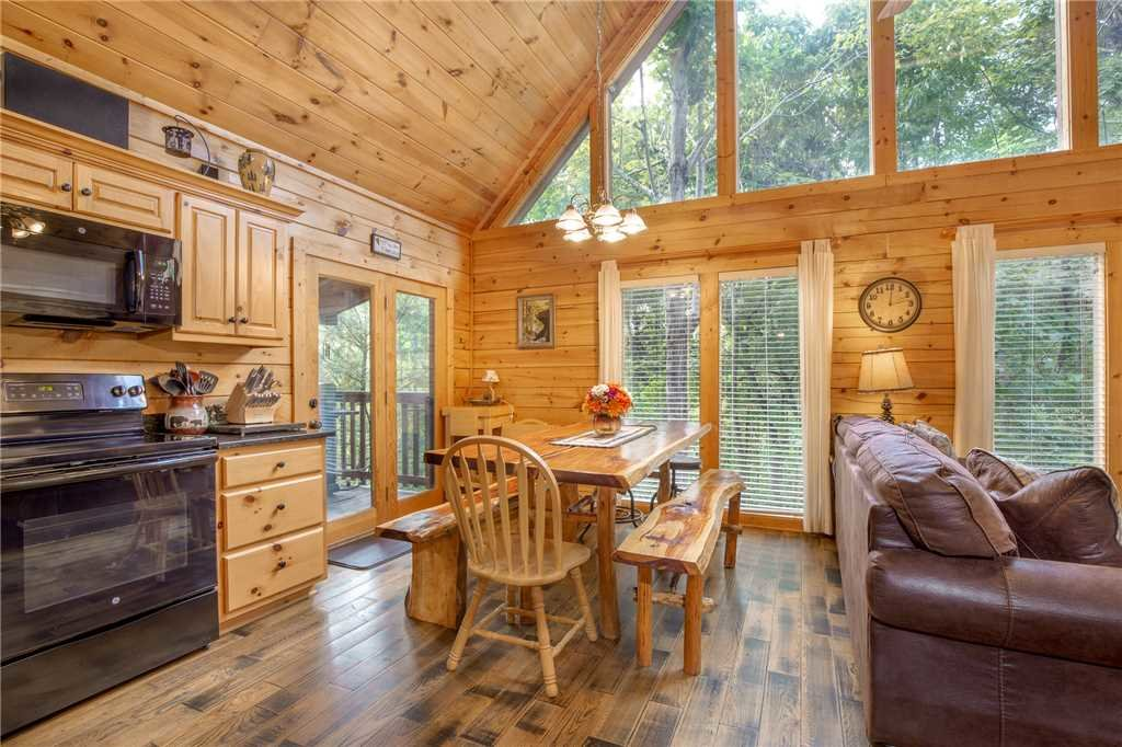 Photo of a Gatlinburg Cabin named Bear Essentials - This is the sixth photo in the set.
