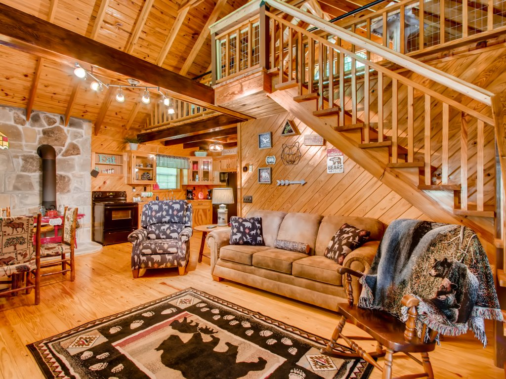 Photo of a Gatlinburg Cabin named Lake Vista Lodge - 248 - This is the fourteenth photo in the set.
