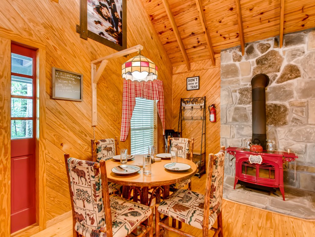 Photo of a Gatlinburg Cabin named Lake Vista Lodge - 248 - This is the seventeenth photo in the set.