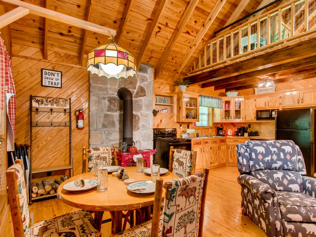 Photo of a Gatlinburg Cabin named Lake Vista Lodge - 248 - This is the fifteenth photo in the set.