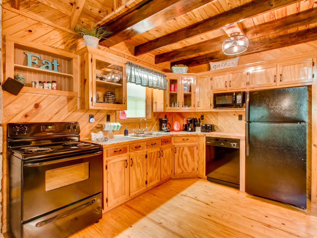 Photo of a Gatlinburg Cabin named Lake Vista Lodge - 248 - This is the eighteenth photo in the set.