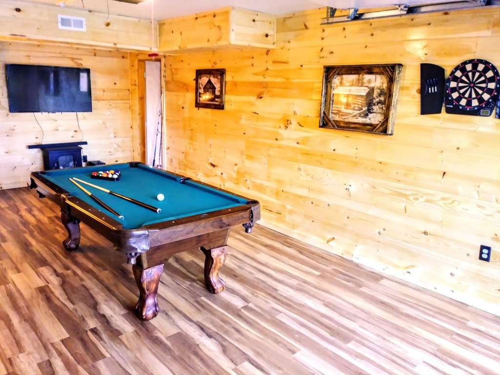 Photo of a Gatlinburg Cabin named Lake Vista Lodge - 248 - This is the thirty-first photo in the set.