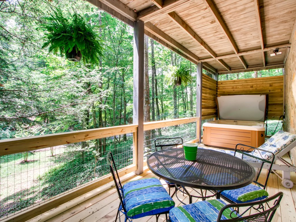 Photo of a Gatlinburg Cabin named Lake Vista Lodge - 248 - This is the thirty-eighth photo in the set.