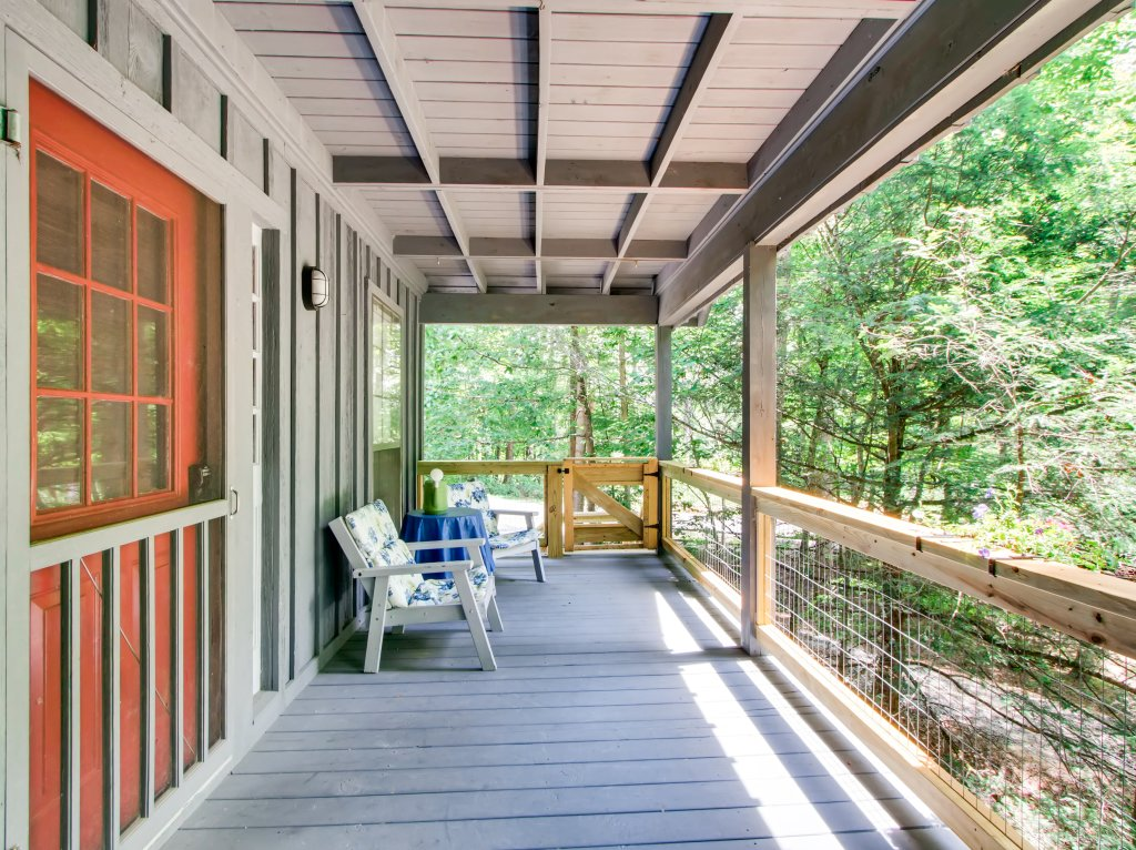 Photo of a Gatlinburg Cabin named Lake Vista Lodge - 248 - This is the forty-first photo in the set.