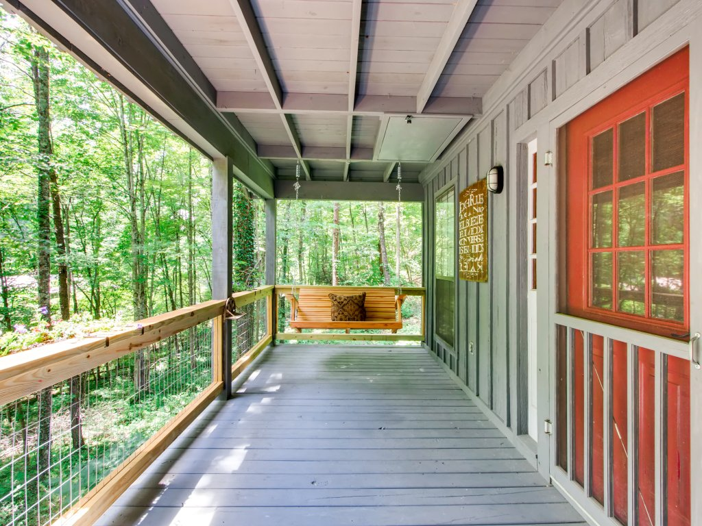 Photo of a Gatlinburg Cabin named Lake Vista Lodge - 248 - This is the fortieth photo in the set.