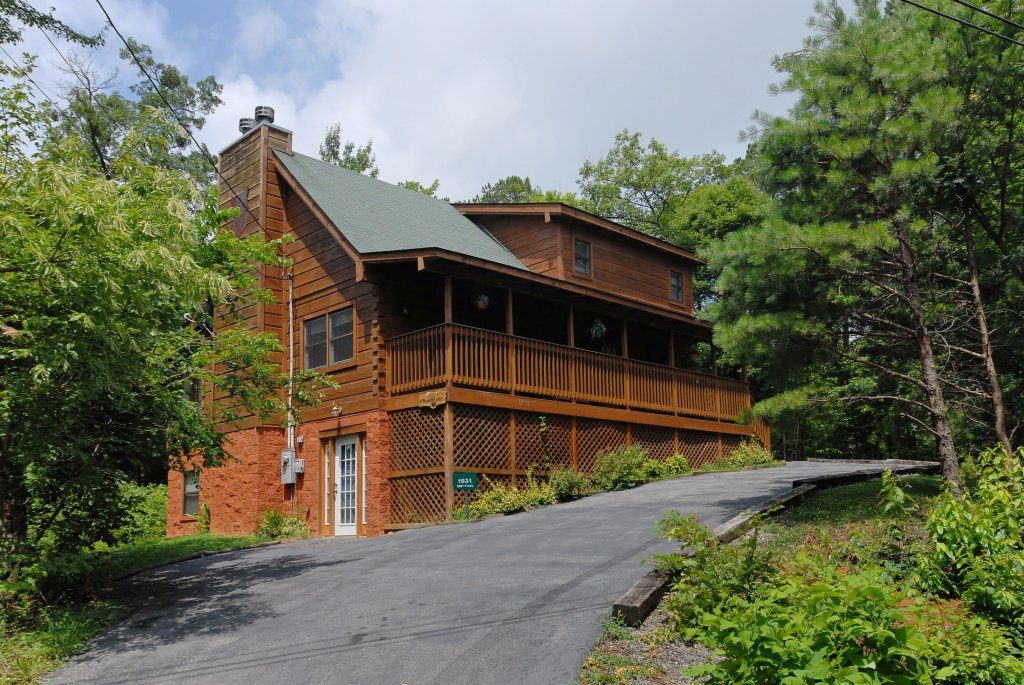 Photo of a Gatlinburg Cabin named A Mountain Lair #1631 - This is the ninth photo in the set.