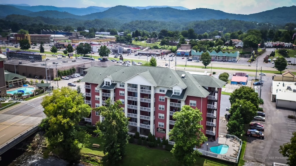 Photo of a Pigeon Forge Condo named Bear Crossing 401 - This is the second photo in the set.
