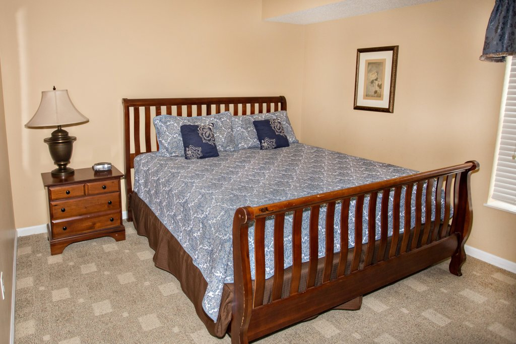 Photo of a Pigeon Forge Condo named Bear Crossing 303 - This is the forty-third photo in the set.