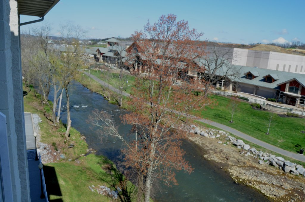 Photo of a Pigeon Forge Condo named Bear Crossing 502 - This is the fifth photo in the set.