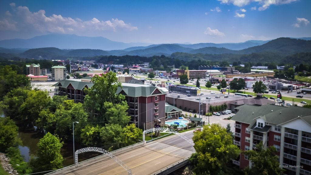 Photo of a Pigeon Forge Condo named Bear Crossing 502 - This is the twenty-first photo in the set.