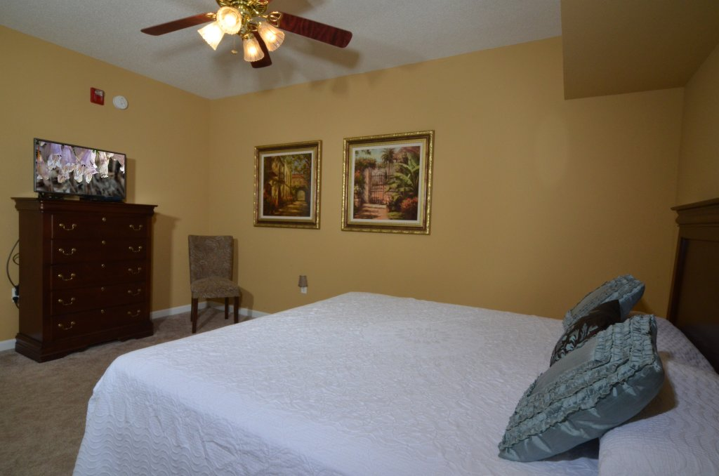 Photo of a Pigeon Forge Condo named Bear Crossing 402 - This is the fiftieth photo in the set.