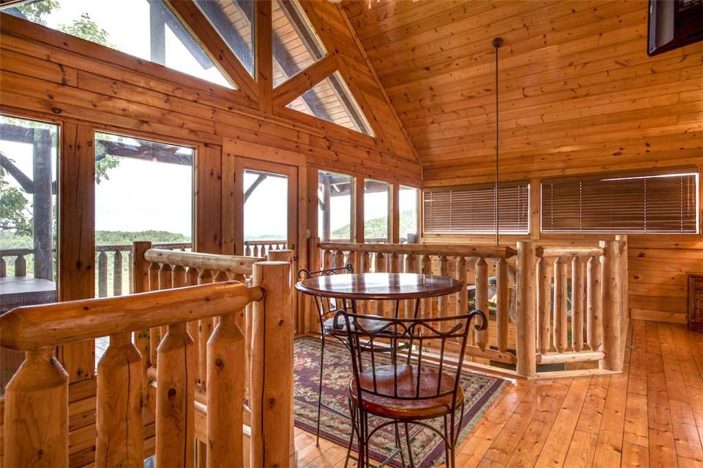 Photo of a Pigeon Forge Cabin named Black Bear Overlook - This is the seventeenth photo in the set.