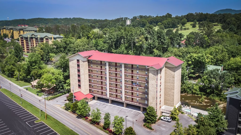 Photo of a Pigeon Forge Condo named Cedar Lodge 101 - This is the second photo in the set.