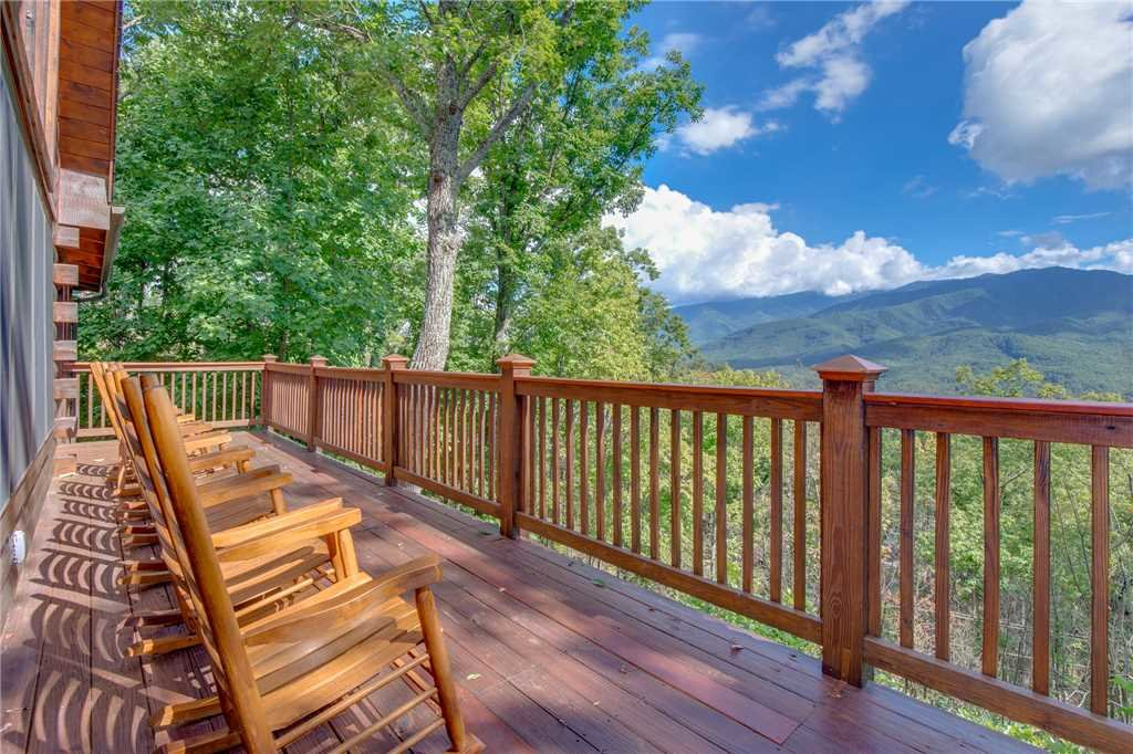 Photo of a Gatlinburg Cabin named Dancing Bear Lodge - This is the first photo in the set.