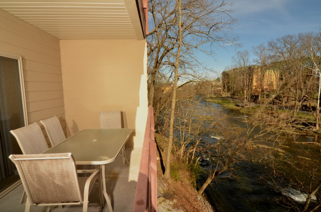 Photo of a Pigeon Forge Condo named Cedar Lodge 101 - This is the ninth photo in the set.