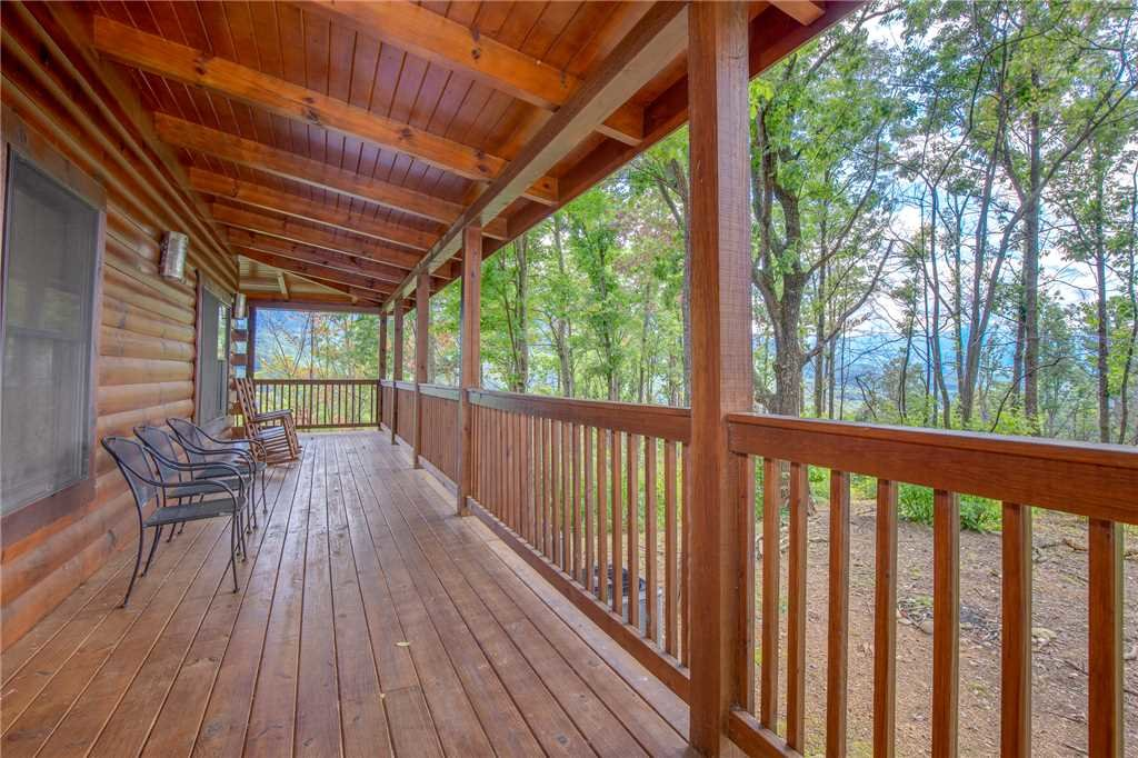 Photo of a Gatlinburg Cabin named Dancing Bear Lodge - This is the thirty-sixth photo in the set.